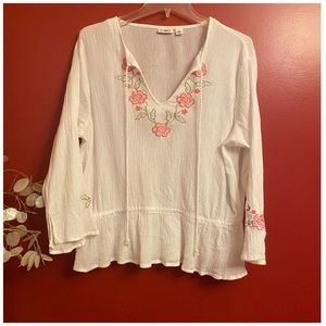 Tops - White embroidered floral pheasant top